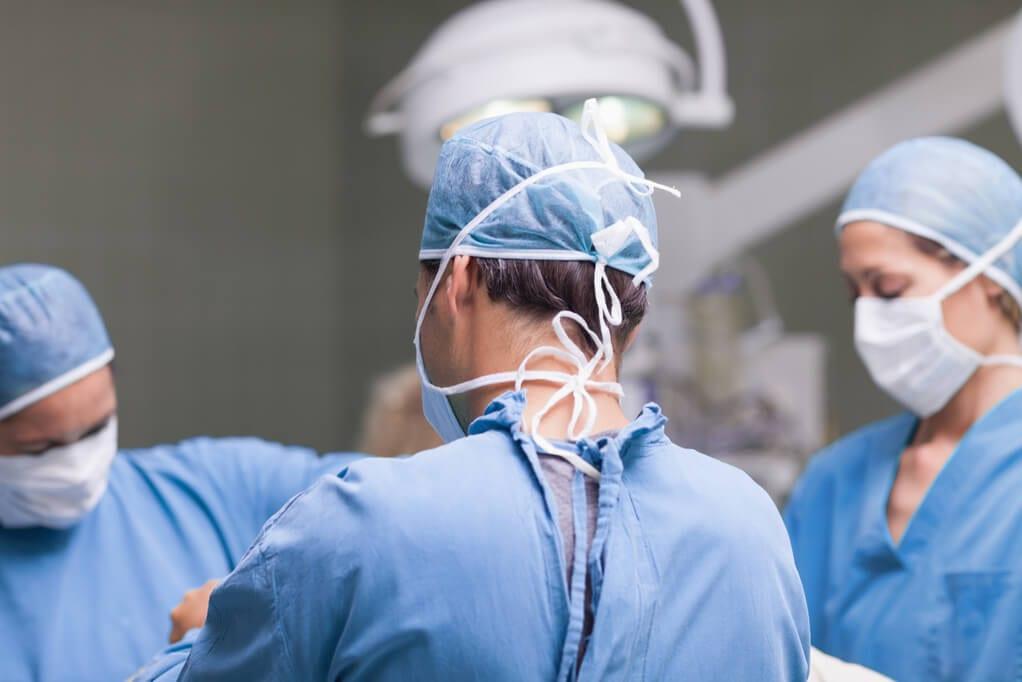 Operatie laparoscopica de colon